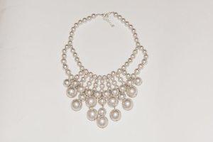 H&M Hochwertige Perlen Collier