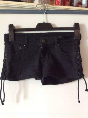 H&M Hotpants Gr 34 schwarz