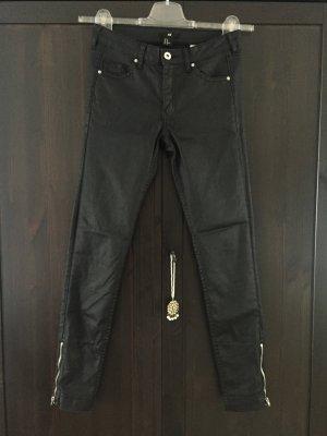H&M Jeans beschichtet Leder Look schwarz Hose 26