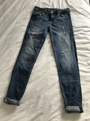 H&M Jeans blau 36 mit Risse Boyfriend
