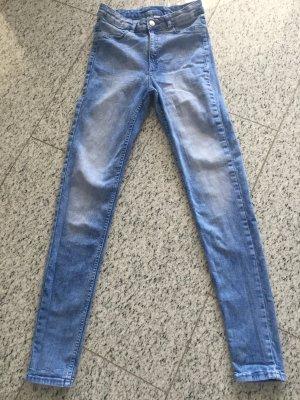 H&M Jeans einmal getragen helle Waschung