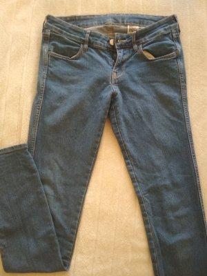 H&M Jeans/ Low Waist Jeans/ Jeanshose/ Röhrenjeans