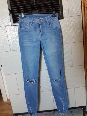 H&M Jeans mit Löcher