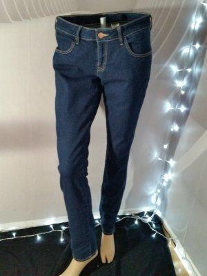 H&M Jeans skinny low waist Gr 31/32 indigo dark neuwertig