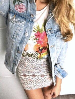 H&M Jeansjacke Denim Patches Aufnäher Style Blogger Ibiza Festival Hippie Oversize Boyfriend