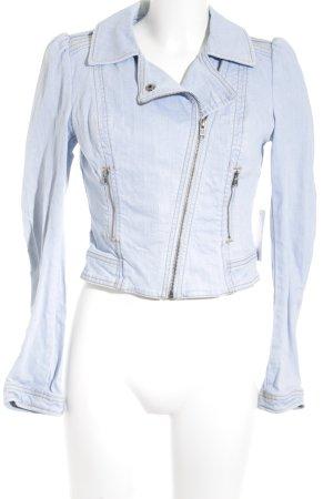 H&M Jeansjacke himmelblau Street-Fashion-Look