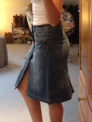 H&M Jeansrock mit durchgehender Knopfleiste - kaum getragen