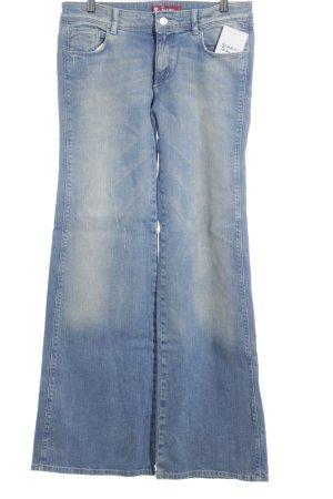 H&M Jeansschlaghose blau-kornblumenblau Street-Fashion-Look