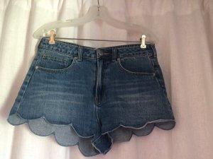 H&M Jeansshorts mit Wellenkante, Größe 38