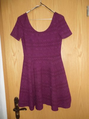 H&M Kleid brombeerfarben Größe S