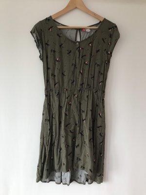 H&M Kleid grün in 38 mit fliegenden Pferden