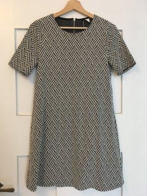 H&M Kleid kurz Muster Gr. 38
