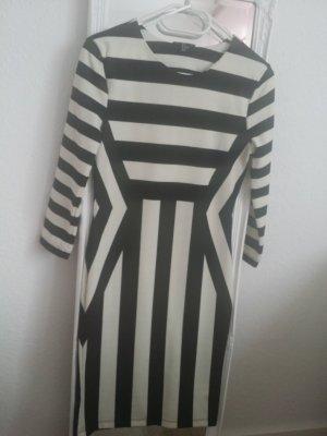 H&M Kleid Kurz Schwarz-weiß