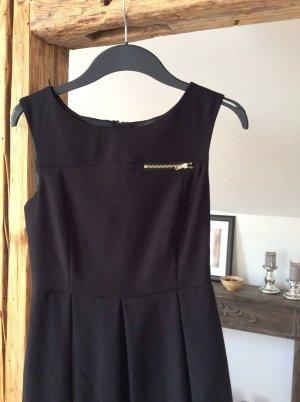 H&M Kleid leicht ausgestellt