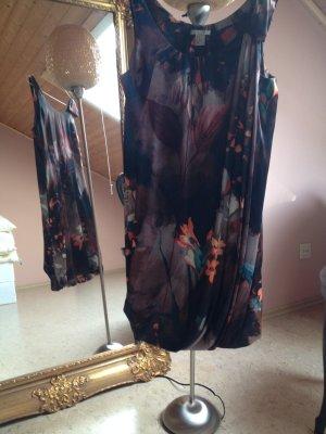 H&M Kleid mit Blumen
