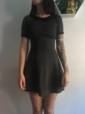 H&M Kleid mit Kragen