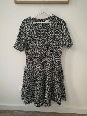 H&M Kleid mit Muster