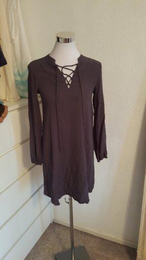 H&M Kleid mit Schnürrung am Ausschnitt *Neu*