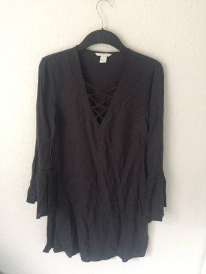 H&M Kleid mit Schnürung und Volants Grau