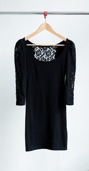 H&M Kleid mit Spitze am Rücken und Dreiviertelärmeln