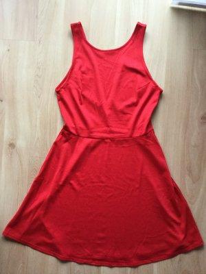 H&M Kleid rot mit Rückenausschnitt