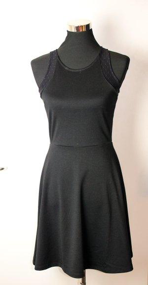 H&M KLEID schwarz mit Spitzendetails, toller Sitz, neu, S wie 36, NEU