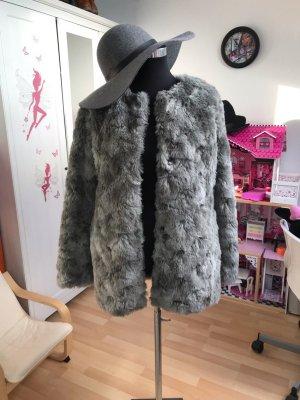 H&M Abrigo de piel gris