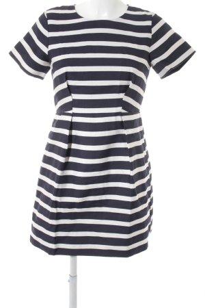 H&M Kurzarmkleid weiß-dunkelblau Streifenmuster Street-Fashion-Look
