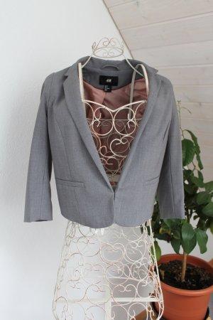 H & M, kurzer Blazer in grau, Gr. 36