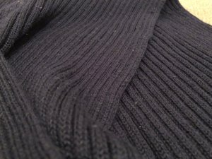 H&M L.O.G.G. Schal, Wolle, dunkelblau, weich, angenehm zu tragen, kein Kratzen