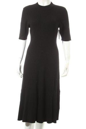 H&M L.O.G.G. Stretchkleid schwarz Street-Fashion-Look
