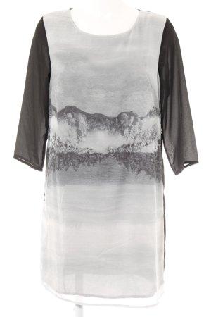 H&M Langarmkleid abstraktes Muster Street-Fashion-Look