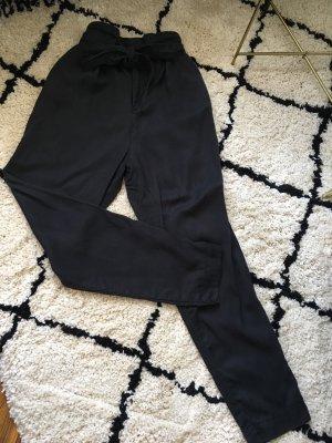 H&M / lockere und lässige Paperbag Hose in schwarz