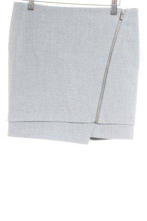 H&M Minifalda gris claro look casual