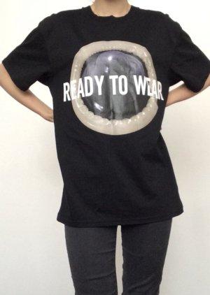 H&m Moschino Kondom Tshirt
