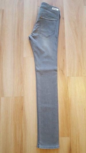 H&M Nieten Jeans Gr. 27 W32 *** NEU ***