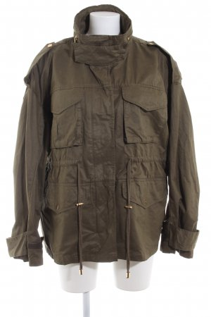 H&M Parka verde oliva look casual