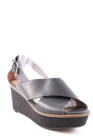 H&M Plateau-Pumps schwarz-camel Street-Fashion-Look