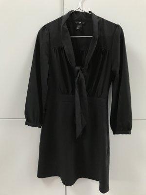 H&M Premium Quality Kleid Blusenkleid mit Schluppe Schwarz Gr. 36 / S - nur einmal getragen!