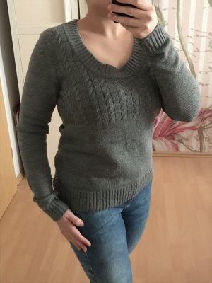 H&M Cable Sweater grey