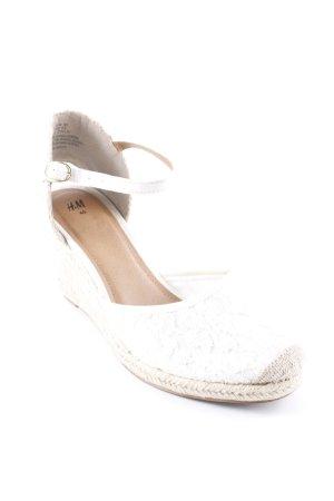 H&M Riemchen-Sandaletten weiß-beige Romantik-Look