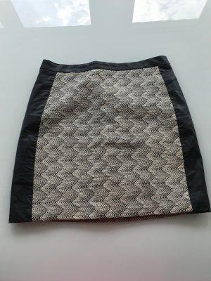 H&M Asymmetry Skirt black-cream