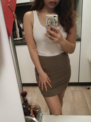 H&M Falda de talle alto gris verdoso