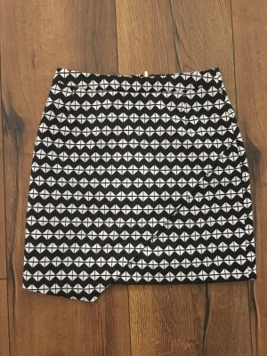 H&M High Waist Skirt black-natural white