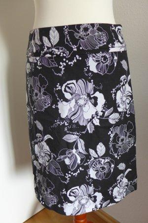 H&M Rock schwarz weiß Blumen Gr.34 wie neu