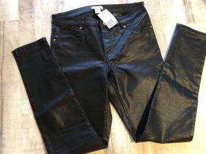H&M Röhrenjeans skinny Jeans schwarz beschichtet glänzend Gr. 40 Neu