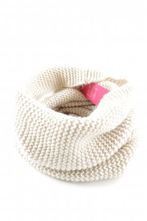 H&M Snood cream casual look