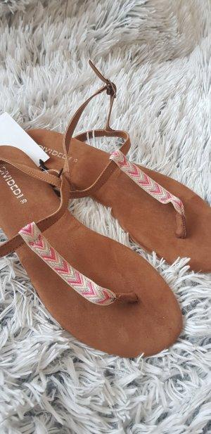 H&M High-Heeled Toe-Post Sandals light brown-light pink