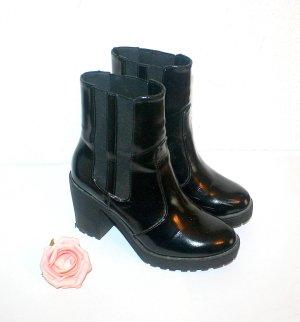 H&M Schwarze Stiefelette Gr.36 Boots Lack Leder Look