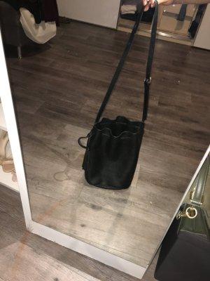 H&M schwarze Umhängetasche